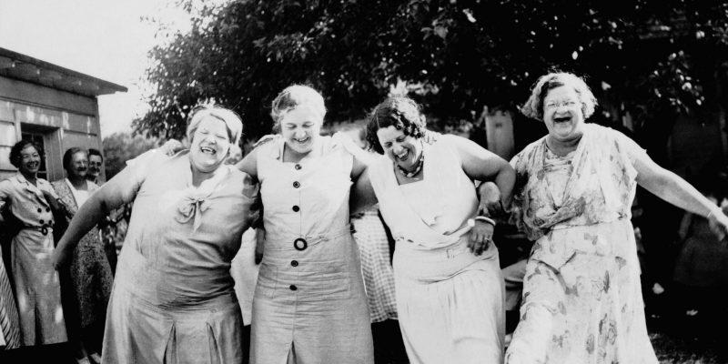 So Happy In Town Women's friendships